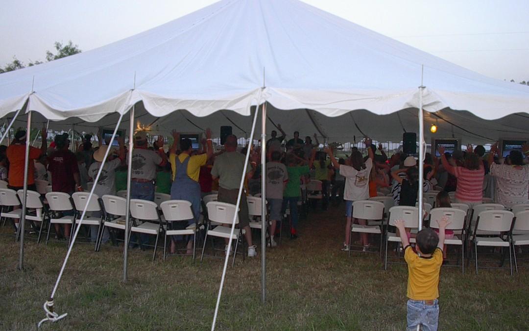 Worship under a Tent – ca. 2005